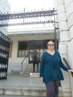 Julie at the Peggy Guggenheim museum with Karen