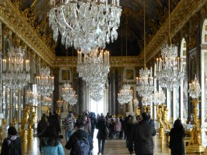 The Hall of Mirrors - hard to photograph with so many people