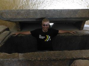 Reubs in a tomb in a pyramid