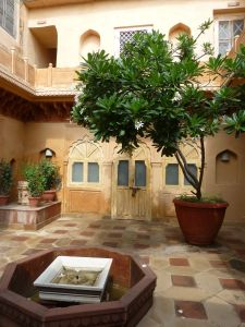 One of the numerous little courtyards