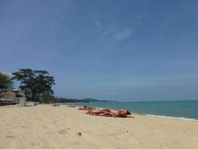 On Mae Nam beach